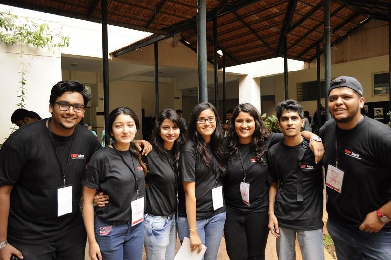 Volunteers wearing the same T-shirts